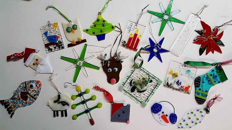 new workshop fused glass holiday ornaments image