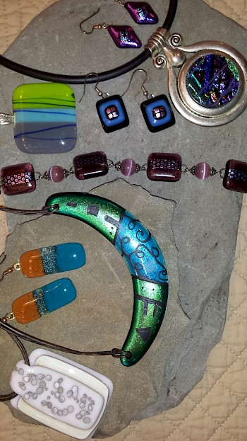 Fused Glass Jewelry: Introduction to Fused Glass by Starting Small image
